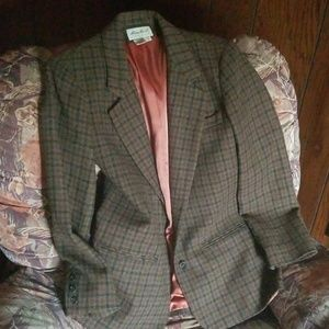 Fall blazer to wear with jeans/slacks.